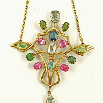Glasgow School of Art pendant - Fine Jewelry