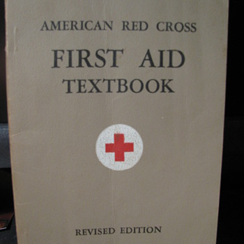 1943 First aid textbook - Books
