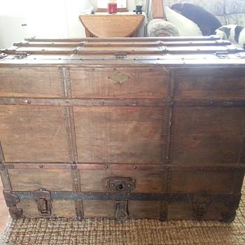 Dresser Trunk, Henry Likly & Co - Furniture