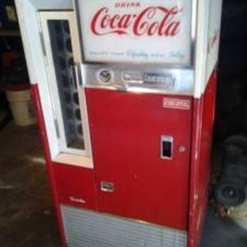 Vendo Coke Machine - Info please - Coca-Cola