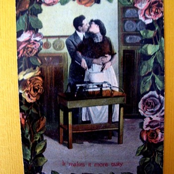 "VINTAGE POSTCARD, LOVERS KISS OVER COOKING POT ON SOME UNRECOGNIZABLE ""STOVE"". REAL PHOTO.  - Photographs"