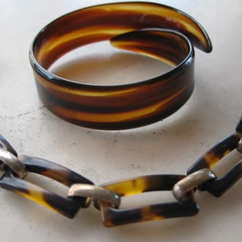 Faux tortoiseshell bracelets - Costume Jewelry