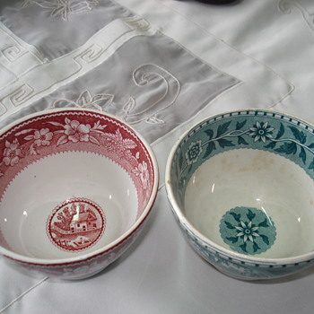 Two Villeroy & Boch bowls around 1920 - Pottery