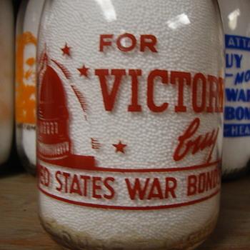 ROBERTS DAIRY...LINCOLN & OMAHA NEBRASKA...SIOUX CITY IOWA CREAMTOP QUART WAR SLOGAN......... - Bottles
