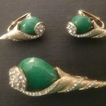 Kramer spiral shell brooch & earrings  - Costume Jewelry