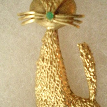 Supposed to be a Gift, but... ! - Costume Jewelry