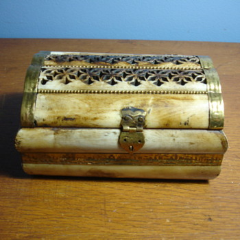 IVORY BOX? maybe bone? No maker marks Brass looks old all around. - Asian