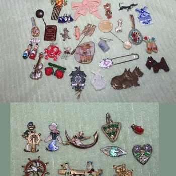 A Mirable Gathering of Antique and Vintage Novelty Costume Jewellery - Costume Jewelry