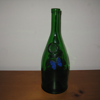 does anyone know anything about this bottle? - Bottles