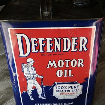 Defender Motor Oil 2 Gallon Can - Petroliana