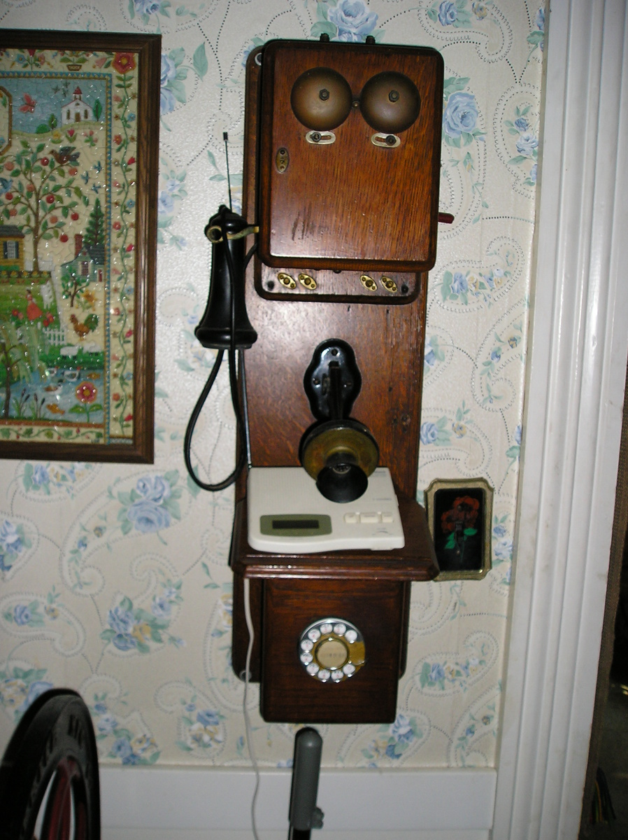Wooden kellogg phone chicago co nov 26 1901 collectors weekly publicscrutiny Image collections