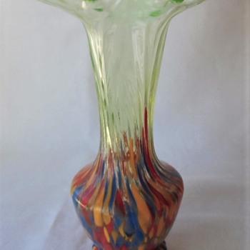 A Kralik Decor Vase Crimped Vaseline Rim, Ripple Texture, With Spatter Base Marked - Art Glass