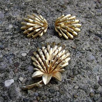 Trifari Flower Brooch and Earrings - Costume Jewelry