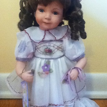 Linda Porcelain Doll - Dolls