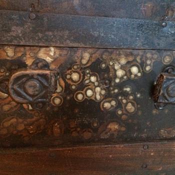 Pattern or Oxidation? - Furniture