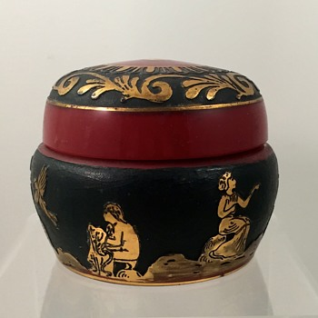 "Loetz ""Etrusk"" kaiserrot covered box, ca. 1928, Prod. Nr. unknown - Art Glass"