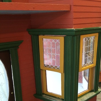 Victorian Dollhouse and Miniatures for the Library - Dolls
