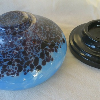The New Ruckl Bowl & Black Glass Plinth Become A Marker,  for many Art Glass Pieces by Ruckl - Art Glass