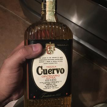 Tequila Cuervo Centenario extra Hecho en Mexico  - Bottles