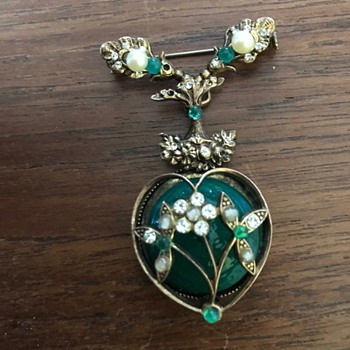 Mystery to me brooch - Costume Jewelry