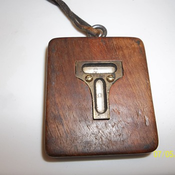 Antique TT & H wooden pocket level - Tools and Hardware