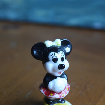 Sweet Minnie Mouse Figurine