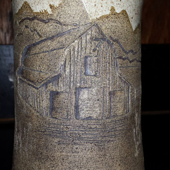 Vase with incised barn scenery - Pottery