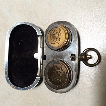 Vintage brass coin holder and old perfume bottle - Bottles