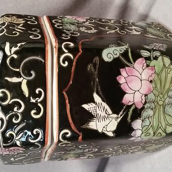 Hexagon porcelain canister  - Asian