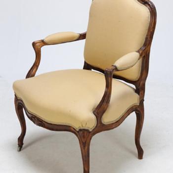Napoleon III fauteuil à la reine. Louis XV style. 'Crinoline width'  - Furniture