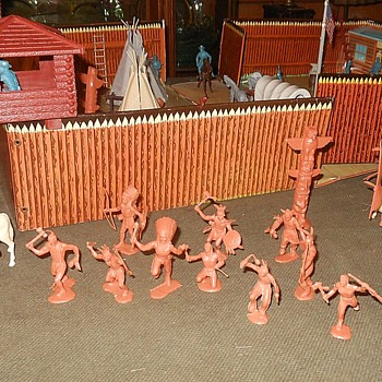 Marx Caramel Indian Tribe - Toys