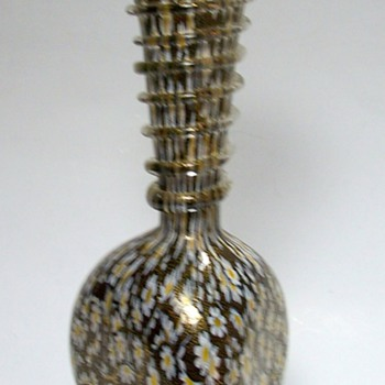Glass vase with stretched daisy pattern and clear glass twist - Art Glass