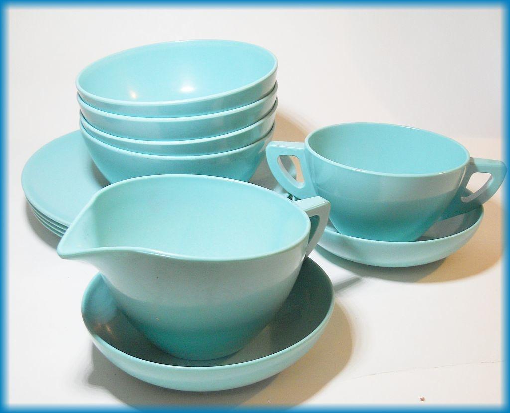 & Blue MELMAC Dinnerware set | Collectors Weekly