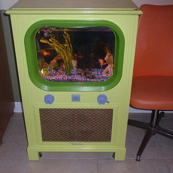1950s tv I converted into a fish tank