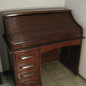 EARLY 20TH CENTURY DESK - Furniture