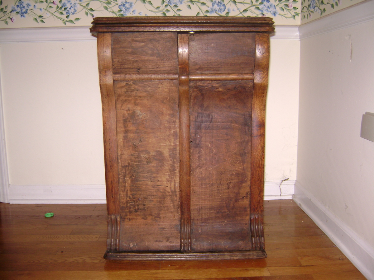 New Home Sewing Machine in Cabinet, circa late 1800s | Collectors ...