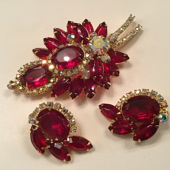 D & E RUBY RED...and other colors! - Costume Jewelry