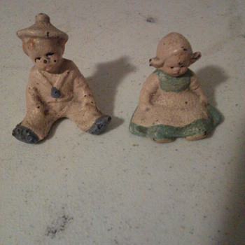 A girl and boy  - Figurines