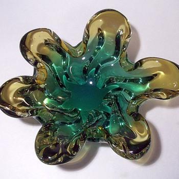 Art Glass Bowl -- Undecided ?? - Art Glass