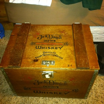 Jack Daniels Wooden Storage Box - Bottles