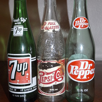 Trio of vintage pop bottles - Bottles