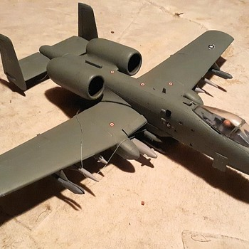 A-10 Warthog Model aka A-10 Fairchild Thunderbolt II Monogram 1/48 Scale - Toys