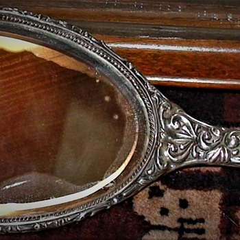 Sterling Silver Hand Mirror Chester England 1903 Ward Bros. Beliserio Montero, Argentine Ambassador to Belgium Family - Accessories