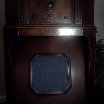MY  1932   PHILCO SUPER HETRODYNE ELEVEN ANTIQUE RADIO