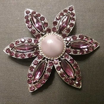 Weiss floral brooch  - Costume Jewelry