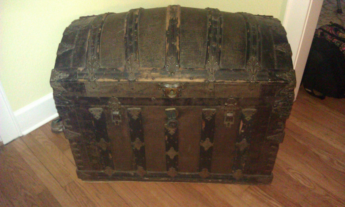 Antique trunk with name. Also name of lock company. | Collectors ...