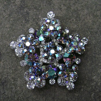 D and E Juliana Snowflake Brooch - Costume Jewelry
