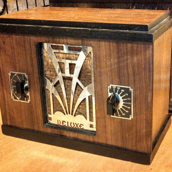Deluxe 405 from 1935 - Radios