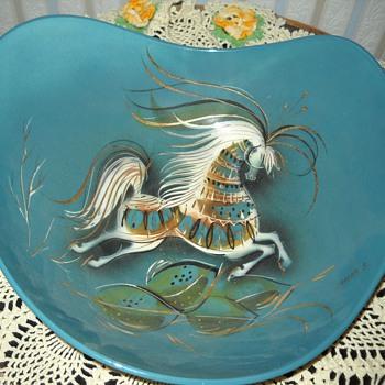 SASHA B HORSE BOWL - Pottery