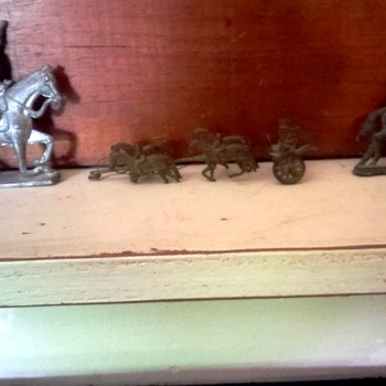 antique lead soldiers - Toys
